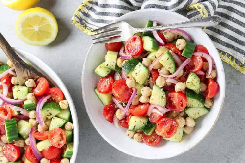 CUCUMBER AND TOMATO SALAD WITH CHICKPEAS by Veganhuggs.com