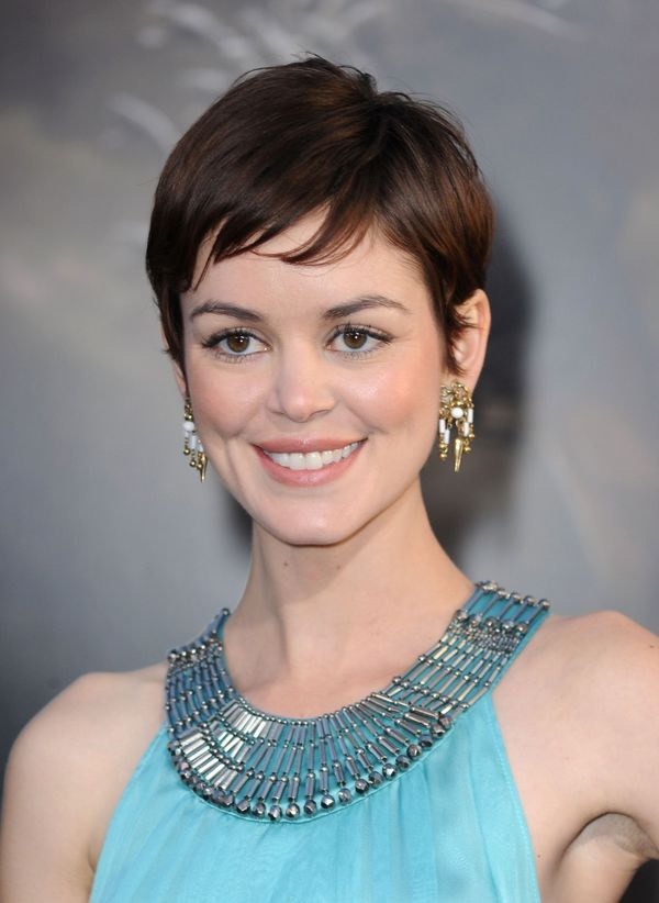 Cute Short Hairstyles with Bangs 3