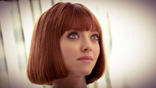 Stylish Womens Short Haircuts with Bangs 4