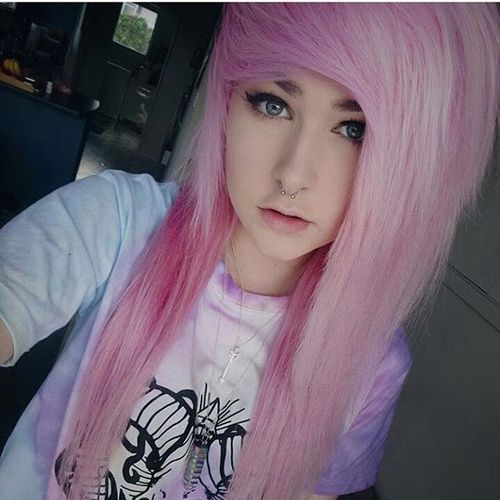 Pink and white emo hairstyles for girls