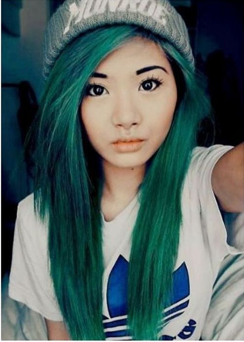 Emerald emo hairstyles for girls