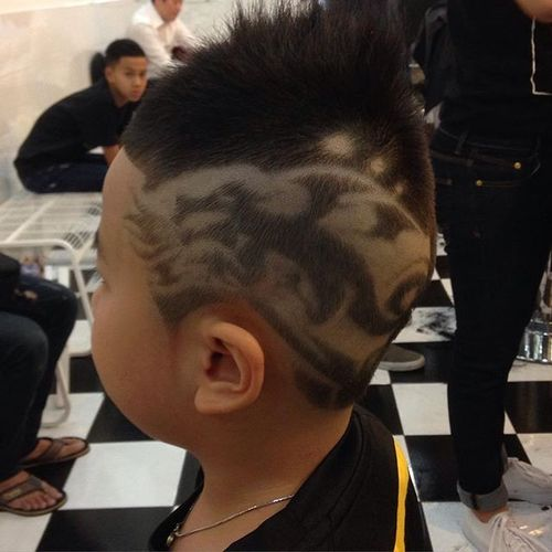 Spiky Hawk with Artistic Design for Asian Men