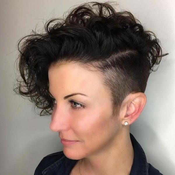 Ideas of undercut on curly hair for females 1
