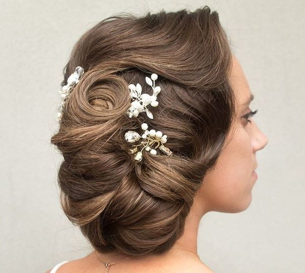 Fantastic Side Chignon Hairstyle
