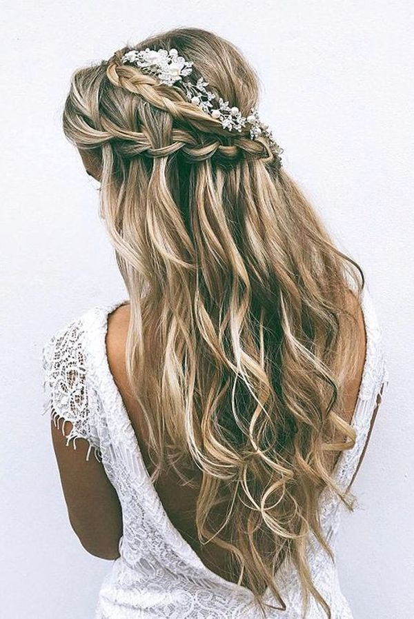 Blonde tousled waves