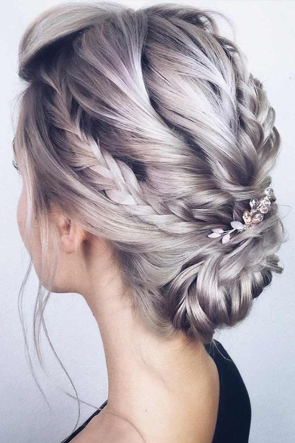 Fancy Prom Hairstyles for Long Hair 3
