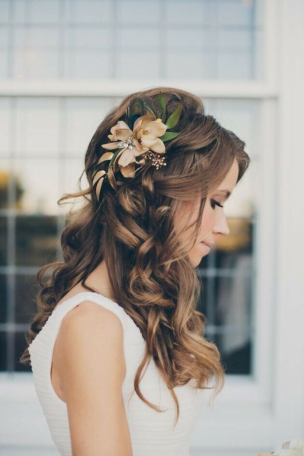 Prom Hair Styles for Long Hair (with Flowers) 3