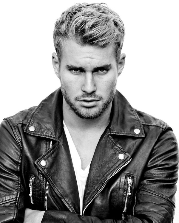 44 Handsome Spiky Hairstyle for Guys