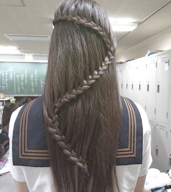 Outstanding braid-snake