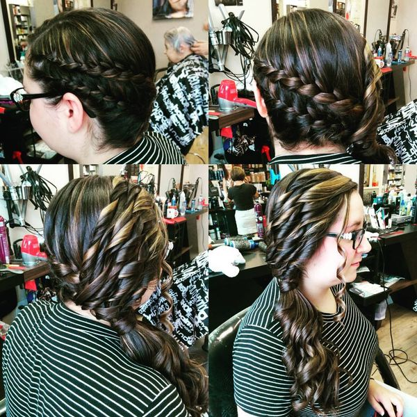 Fantastic Prom Hairstyle for Streaked Hair