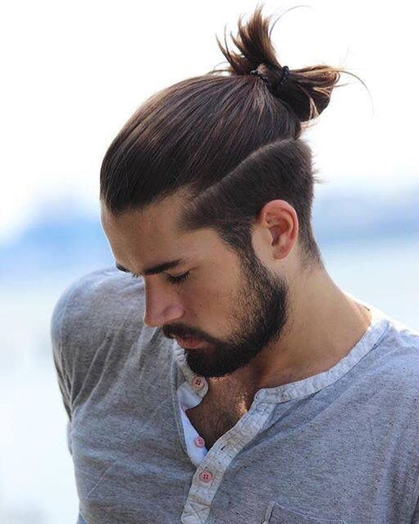 Modern messy man bun hairstyles for guys 1