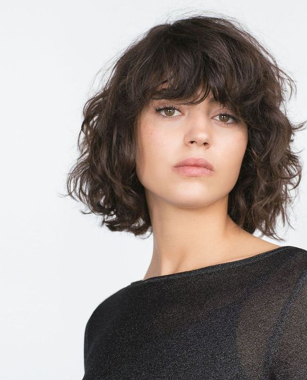 Curled Short Hair with Bangs Best Ideas 1
