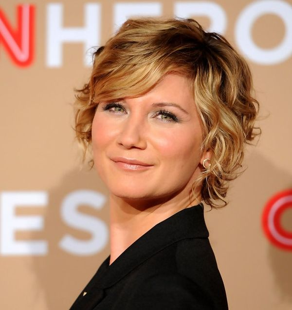Curled Short Hair with Bangs Best Ideas 2