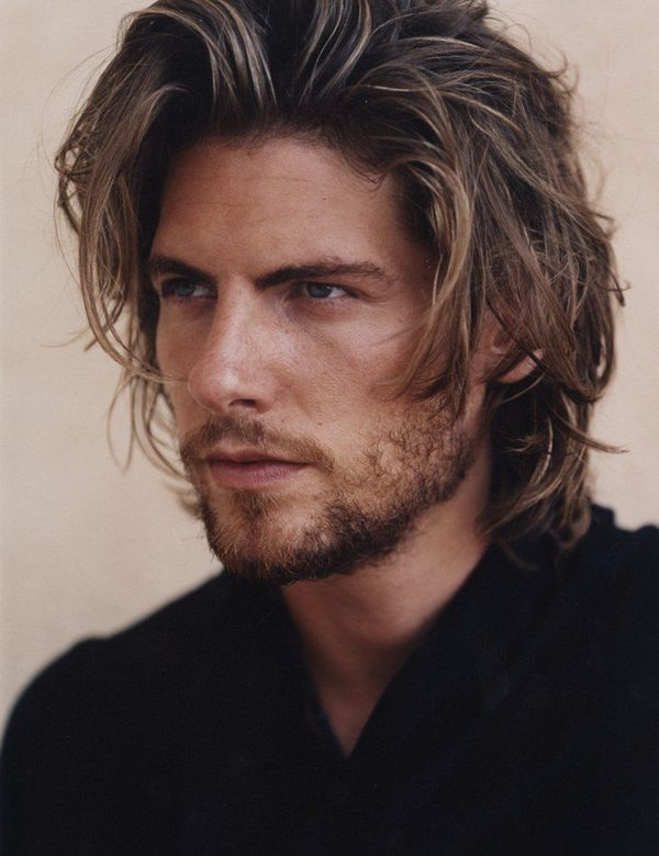 Stylish Mens Medium Hairstyles for Wavy Hair 3