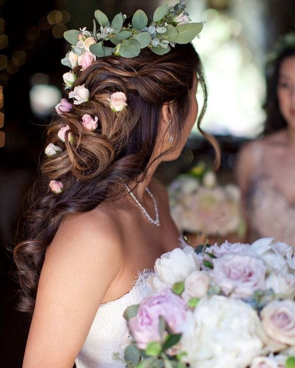 Magnificent Wedding Hairstyles With Flower On Long Hair12