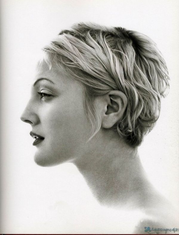 Iconic Hairstyles in the 90s The Rachel Drew Barrymore Hair 3