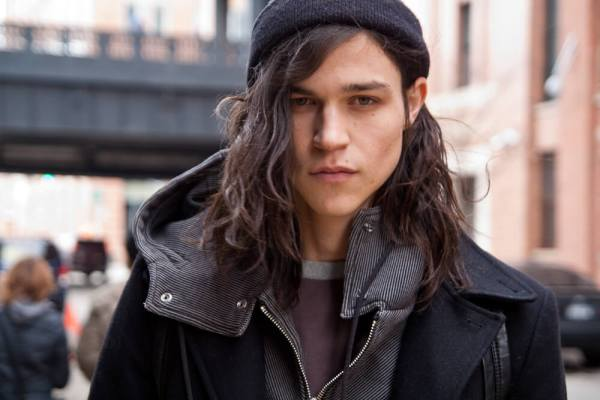 Stylish long haircuts for hipster guys 1