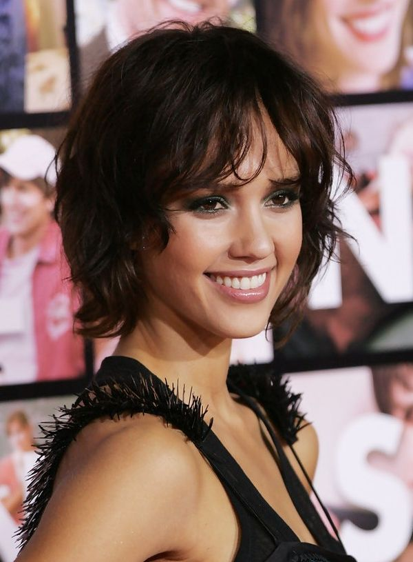 Cool short wavy haircuts for women 3