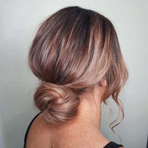 60 Easy Updos for Medium Hair (August 2019)