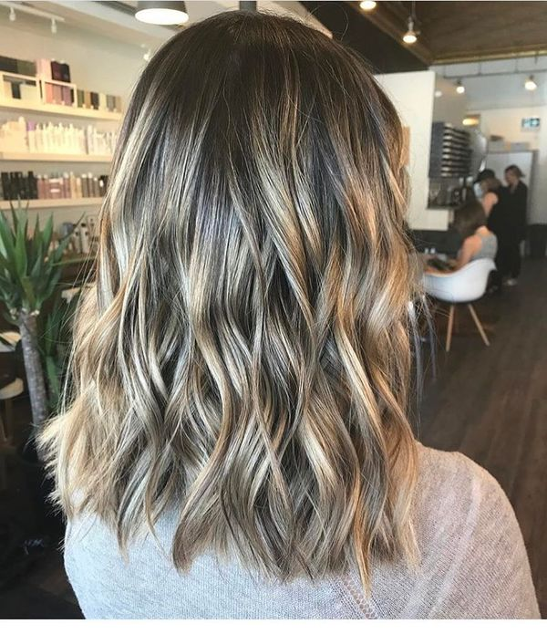 Cute shoulder length lob with color 1