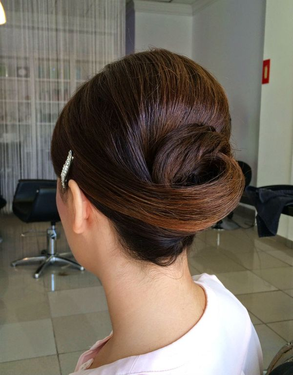 Cute sleek prom hairstyles for long hair 4