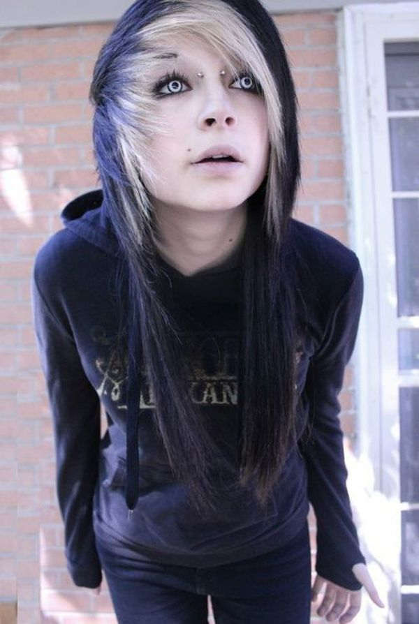Eyecatching long emo hairstyles for girls 2