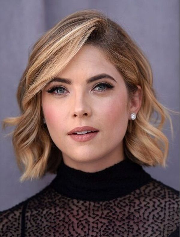 Romantic wavy hairstyles for short hair 2