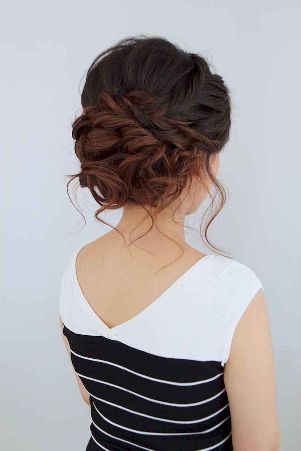 Stylish curled updos for proms 1
