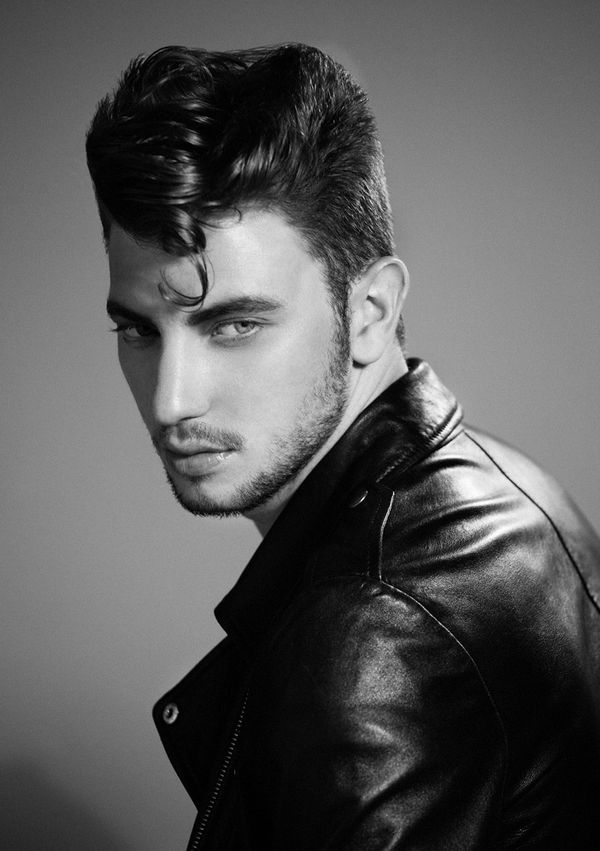 Tips on How to Style a Pompadour 2