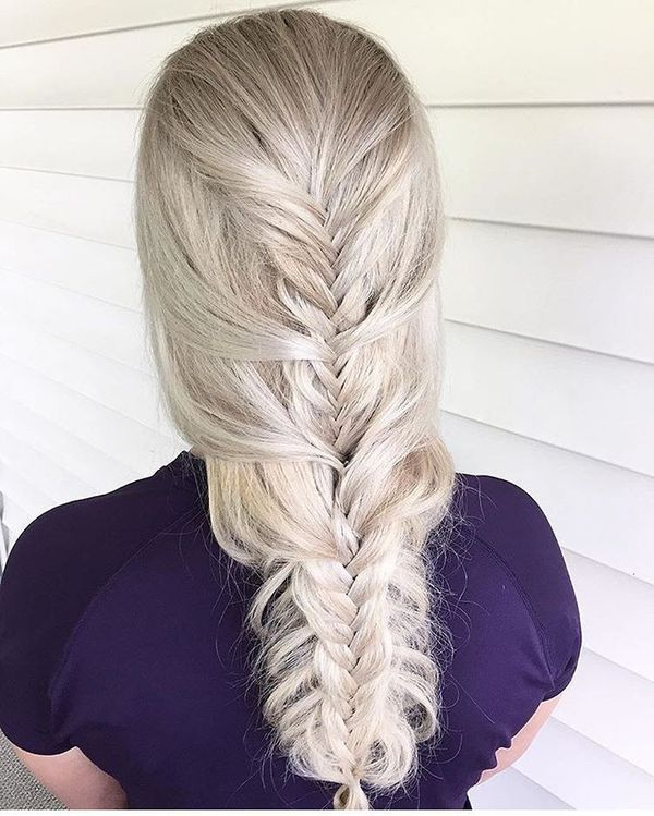 Awesome hairdos for straightened long hair 2