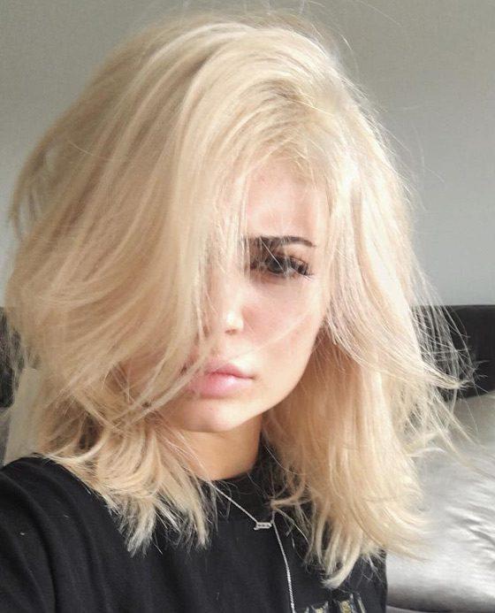 Kylie Jenner Hairstyles-Bedhead Blonde Hair-blonde hair styles