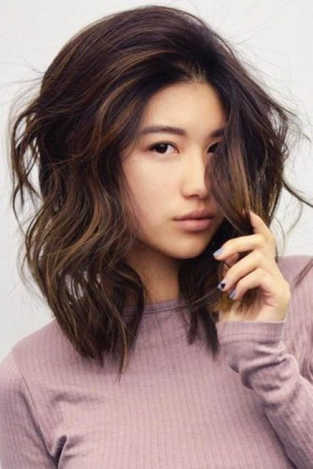 short hairstyles for women-Side Part Hairstyle