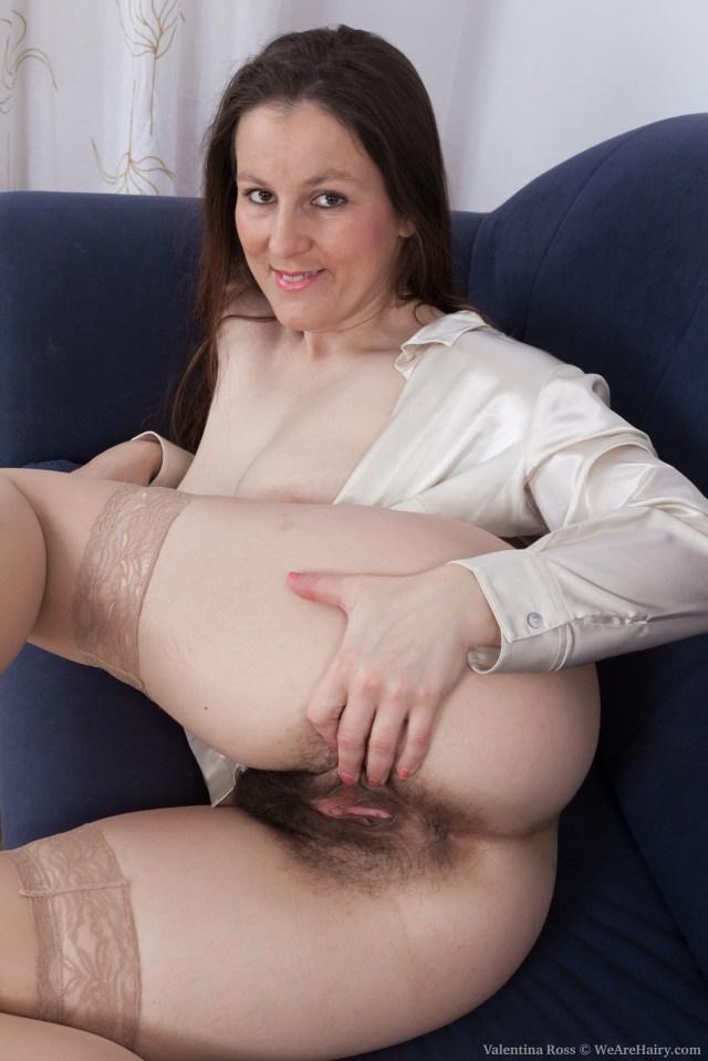Czech Milf Babe Valentina Ross