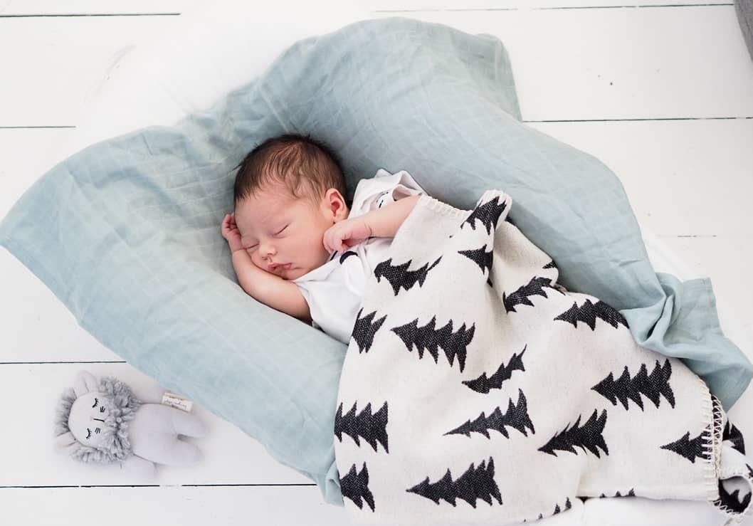 Oliver Hugo Stanley Birth Announcement