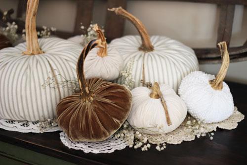 Fabric-Pumpkins-Doilies-and-Babies-Breath_H6