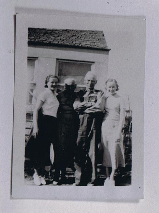 Margaret (Bobbitt) Softly, Ella Mae Bryan, Charles Clifford, Frances Bobbitt