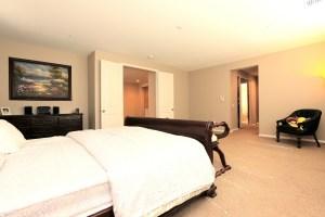 4973 Glenwood Ave_055