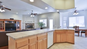 12955_Autumn_Leaves_Victorville_FOR_SALE_Raoul_Vianey_info@thehanovergrp (11)