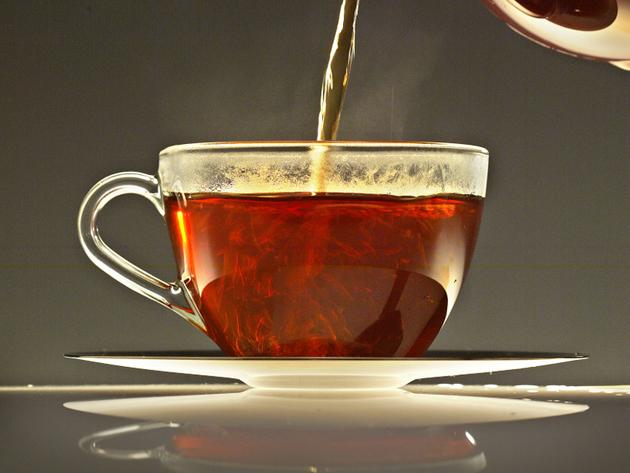 Monday's Tea: Salud para beber
