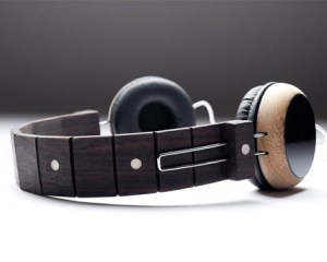 Reciclaje de guitarras para crear audífonos