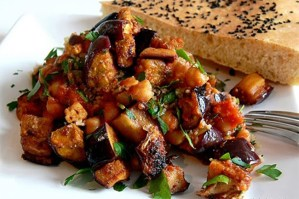 Prepara una  exquisita Caponata Siciliana