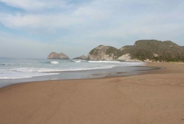 5 playas para escaparte en roadtrip desde la CDMX - barra-del-pio-guerrero-1024x694