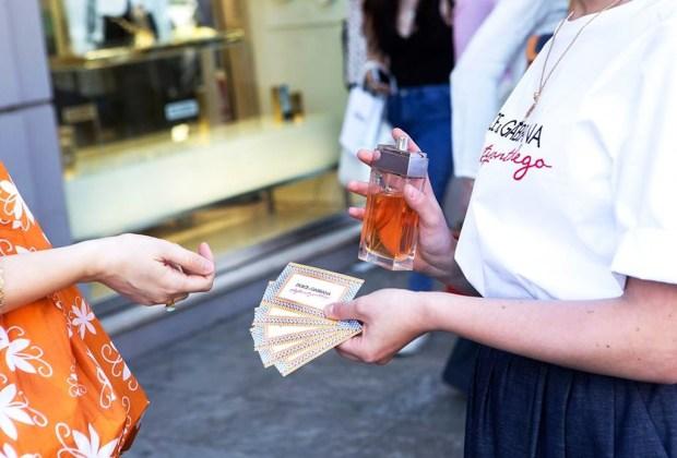 El make up de Dolce & Gabbana recorre las calles de Milán - dolce-gabbana-rickshaw-4-1024x694