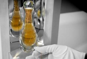Dior trae a México J'adore L'Or, la versión más opulenta de esta seductora esencia