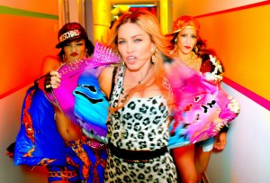 Beyoncé, Miley Cyrus, Katy Perry, Kanye West y Nicki Minaj con  Madonna