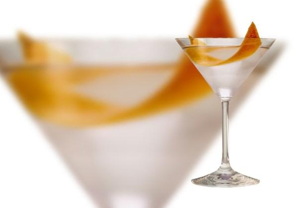 Belvedere nos comparte tres riquísimas recetas de martinis - Reverse-Vesper-martini-1024x694