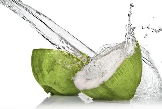 Smoothie bowl: El desayuno más healthy - agua-de-coco-1024x694