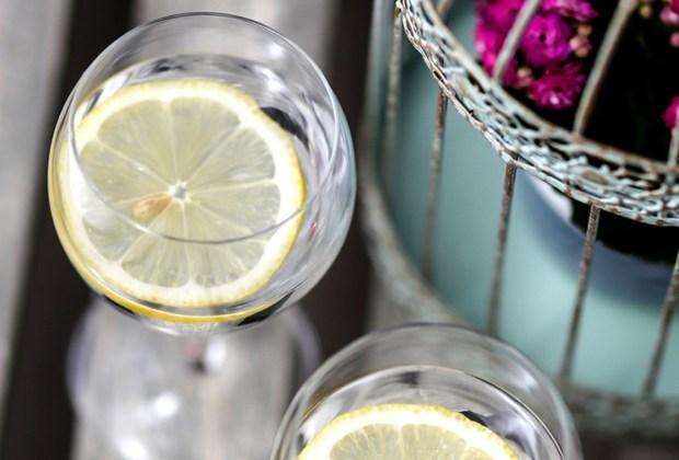 7 formas fáciles de añadir estilo a tu hogar - agua-naranja-1024x694