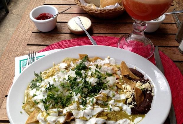 Los mejores lugares para comer chilaquiles en la CDMX - el-pendulo-chilaquiles1-1024x694