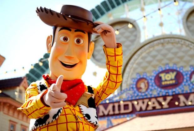 8 leyendas urbanas de los parques de Disney - toy-story-disney-1024x694